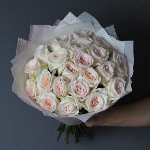 букет из пионовидных роз вайт охара купить с беспланой доставкой в москве