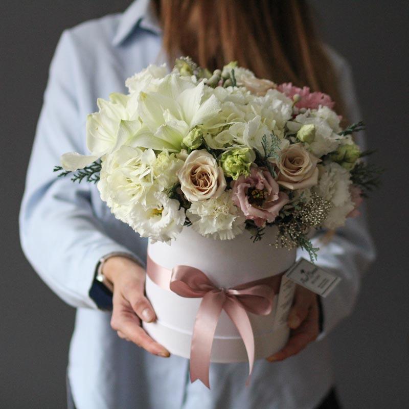 шляпная коробка с цветами купить в москве с доставкой